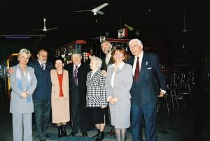 XV lecie TMLiKPW w Opolu 10.12.2003 r. Stoja od lewej: J.Kołodziejska, Z.Zieliński, W.Węgrzynowska, Z.Kuhl, S.Mende, M.Patelski, E.Węgrzynowska, M.Buba