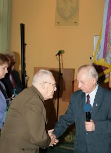 Prezes ZG TMLiKPW A.Kaminski składagratulacje Prezesowi Z. Kuhlowi